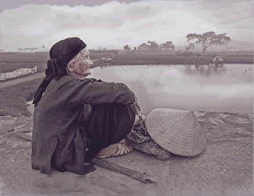 Phân tích nhân vật bà cụ Tứ trong truyện ngắn Vợ nhặt của nhà văn Kim Lân
